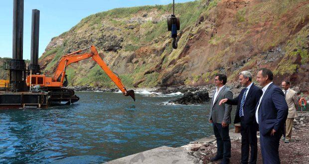 """""""O futuro do Topo"""" passa, em parte, pelas obras que agora se iniciam no porto daquela freguesia diz Lizandro Bettencourt (c/áudio)"""