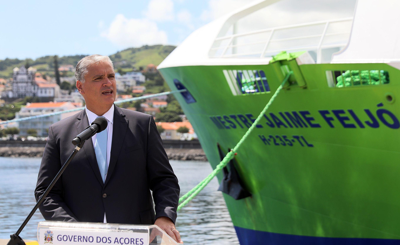 """Cerimónia de Batismo do ferry """"Mestre Jaime Feijó"""" – Vasco Cordeiro destaca importância do transporte marítimo para o fomento da coesão regional"""