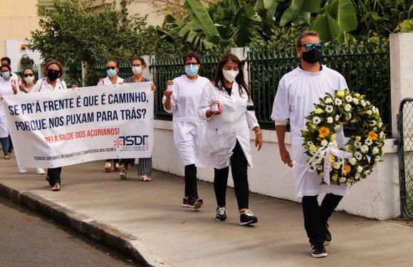 Técnicos Superiores e Diagnóstico e Terapêutica voltaram a manifestar-se junto ao Parlamento dos Açores (c/áudio)