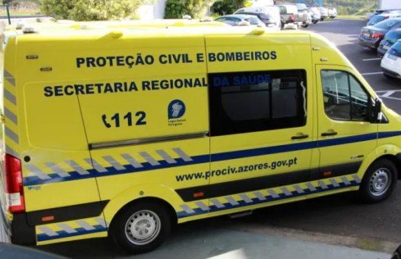 Secretária Regional da Saúde entrega novas ambulâncias de socorro aos Bombeiros de São Jorge
