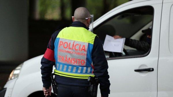"""Campanha """"Phone Off"""" deteta 14 condutores a usar telemóvel nos Açores"""