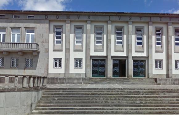 Homem condenado a oito anos de prisão por violação agravada de criança no Pico