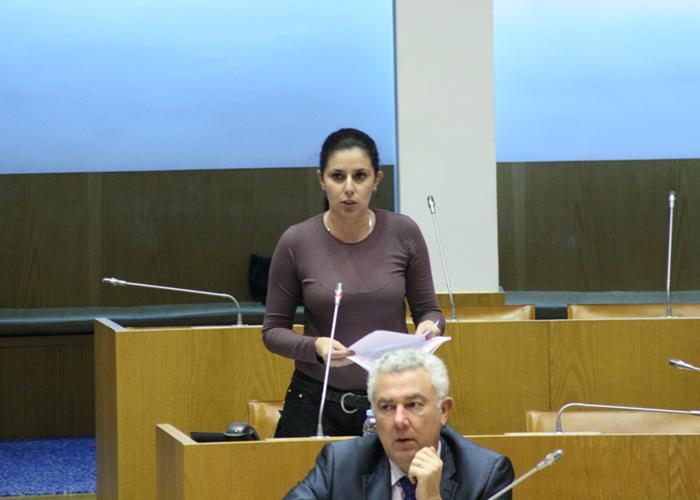 Ana Espínola questiona Vítor Fraga sobre acessibilidades e transportes na ilha de São Jorge