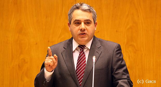 Governo dos Açores regulamenta extensão de acordo de trabalho a funcionários públicos não sindicalizados