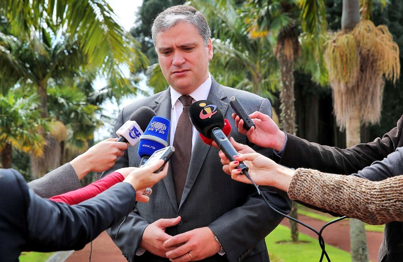 """José Medeiros Ferreira foi um dos """"grandes Açorianos que nunca esqueceu os Açores"""", salienta Presidente do Governo"""