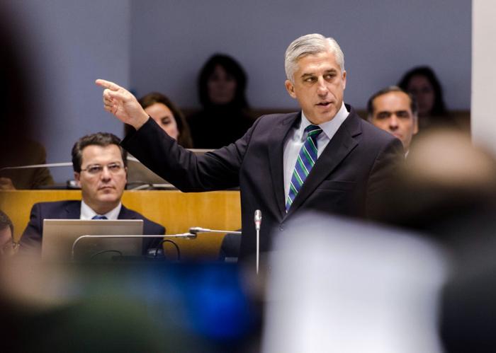 Governo regional tem sido irresponsável na gestão da SATA, acusa o PSD