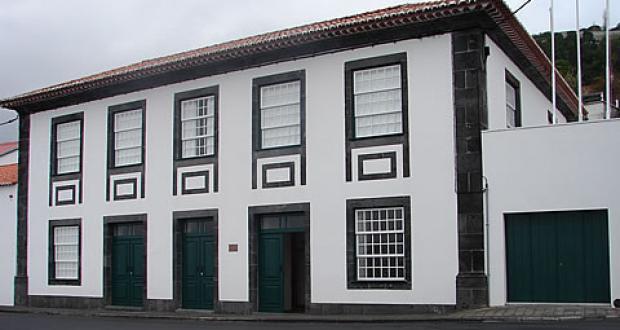 """Museu Francisco de Lacerda recebe exposição """"António Dacosta, um pintor do século XX"""""""