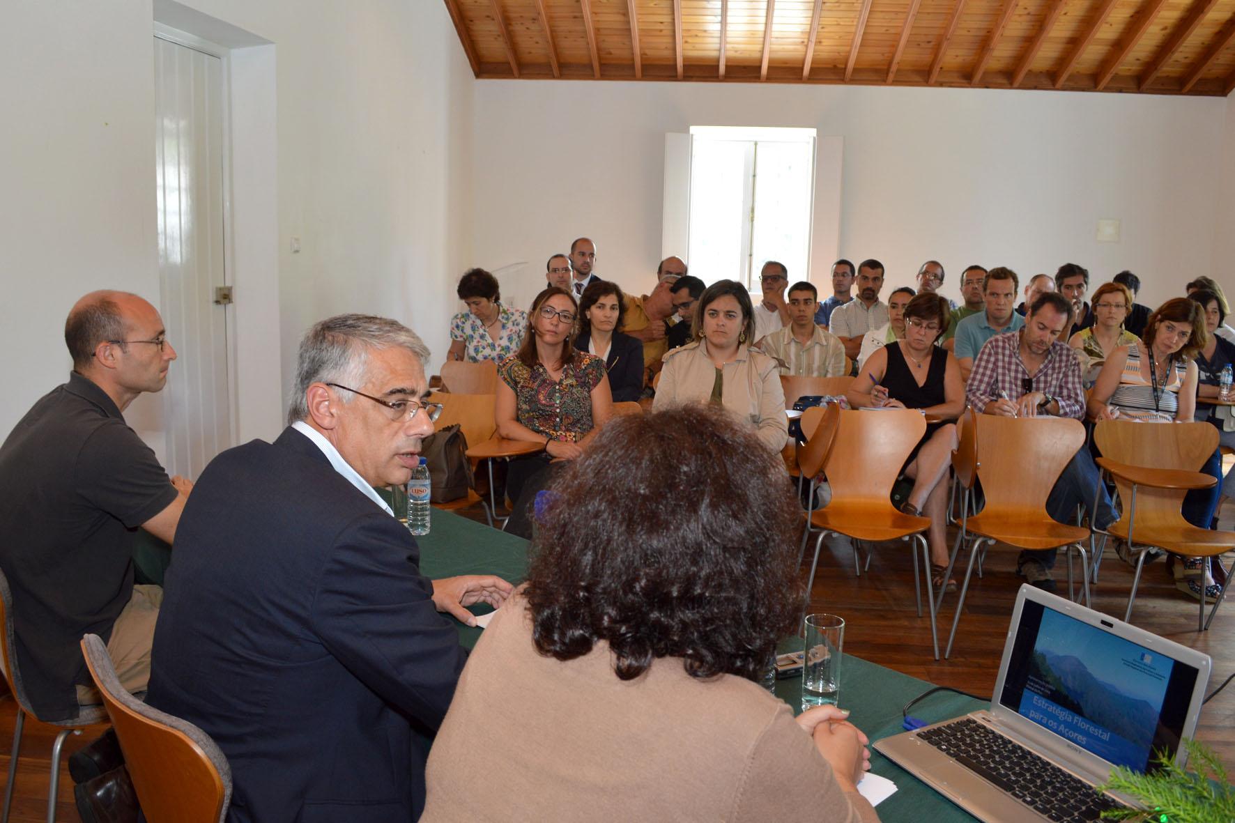 """Luís Neto Viveiros anuncia marca """"Florestas dos Açores"""" e assegura empenho do Governo Regional no crescimento do setor"""