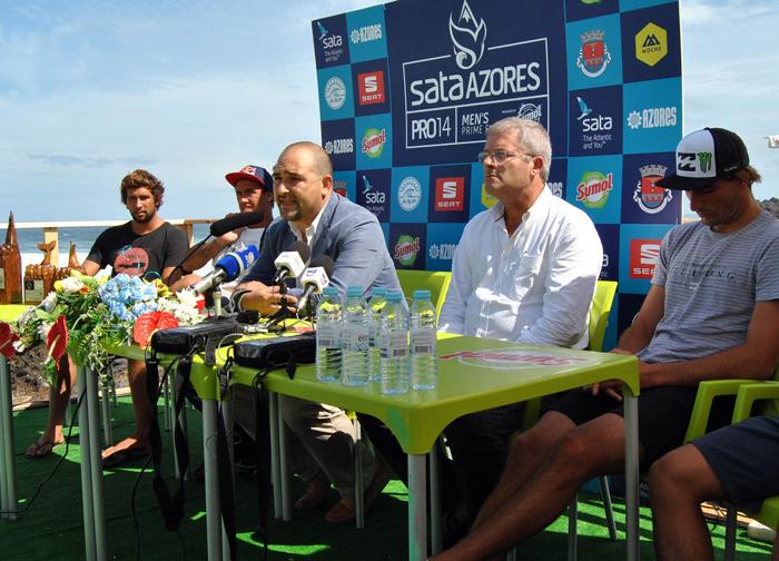 """Açores são """"destino especial"""" para a prática do Surf, afirma João Bettencourt"""