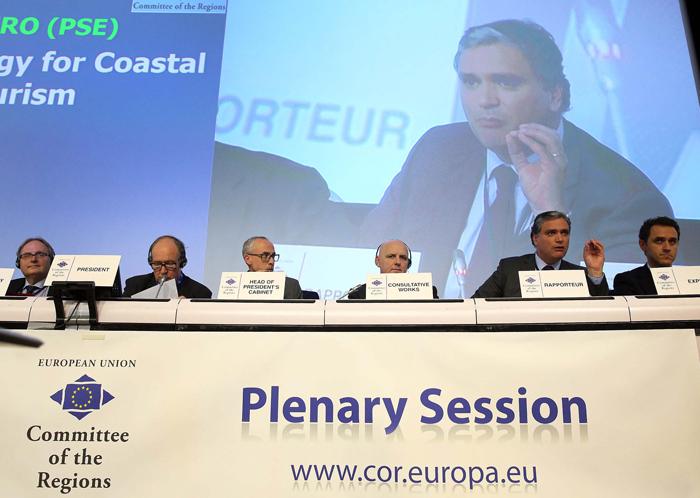 Comité das Regiões aprova parecer de Vasco Cordeiro sobre Turismo Costeiro e Marítimo
