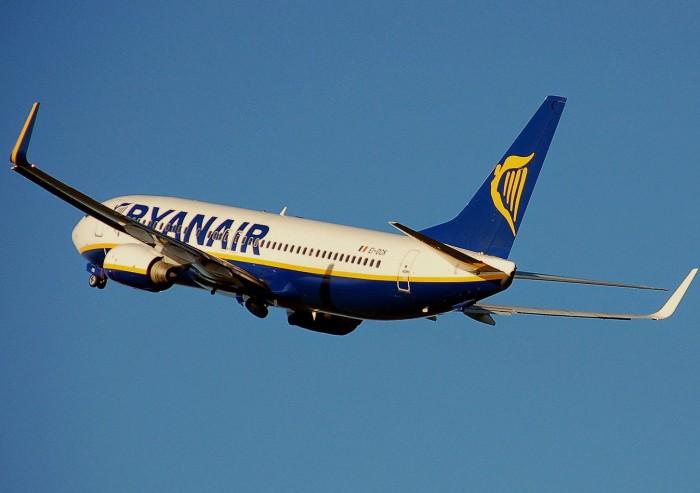"""""""Governo da República deve esclarecer porque recusou a proposta da Ryanair de voar para a Terceira"""", exigiu Lara Martinho"""