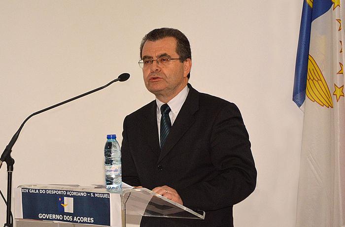 """Novo Estatuto da Carreira Docente confere """"maior dignidade"""" ao exercício da carreira, afirma Avelino Meneses"""