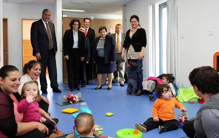 Vasco Cordeiro anuncia cerca de 200 novas vagas nas áreas da Infância e Necessidades Especiais