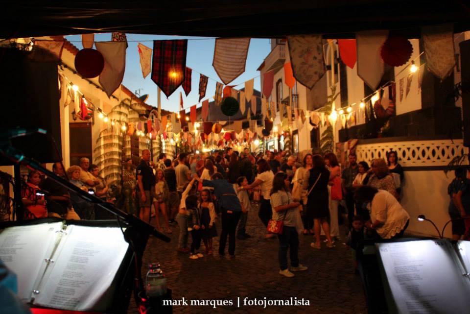 Arraial de São João animou a noite na Vila das Velas (c/áudio)
