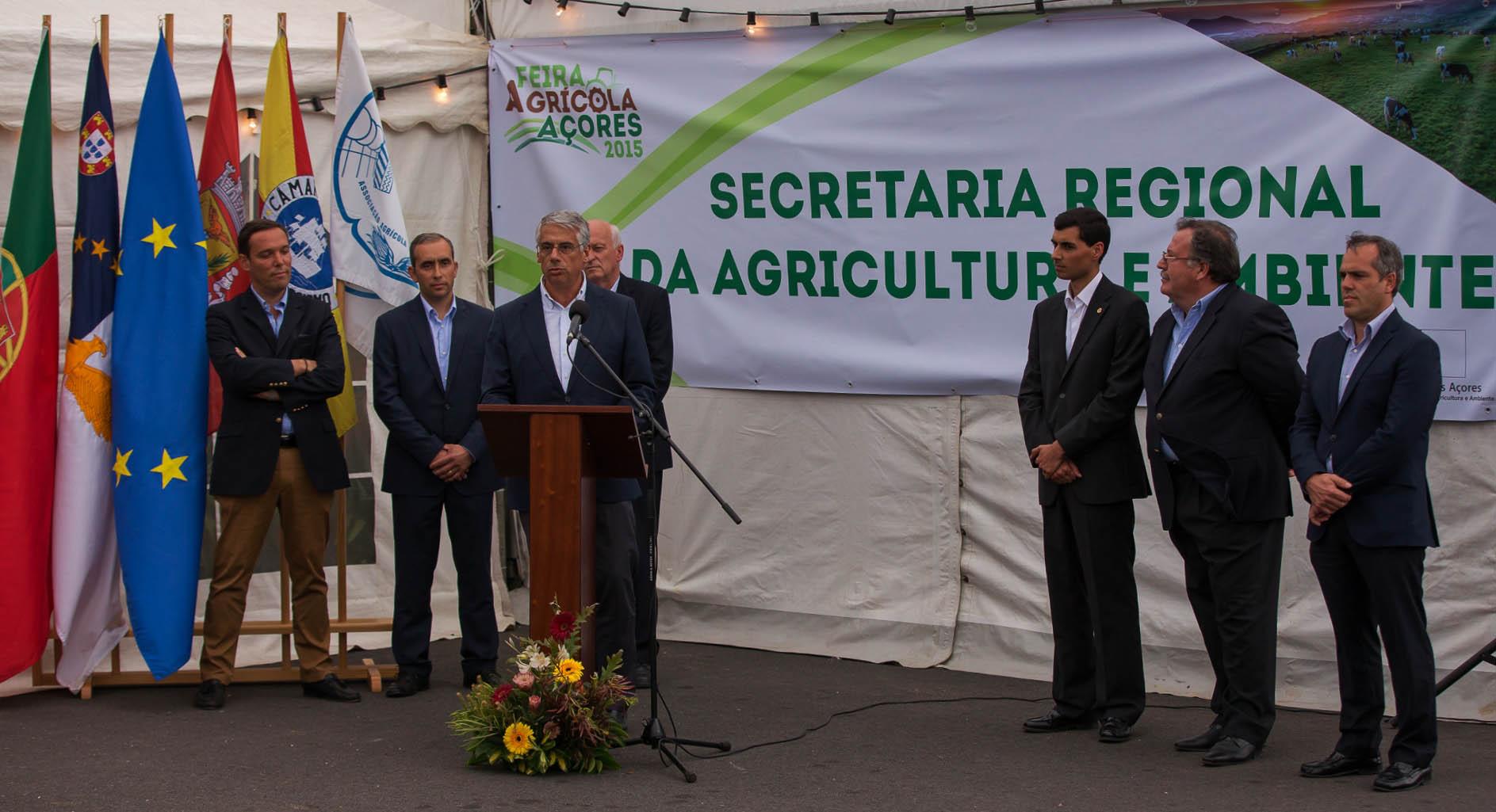 """Comissão Europeia não pode continuar """"sem agir"""" no setor do leite, afirma Luís Neto Viveiros"""