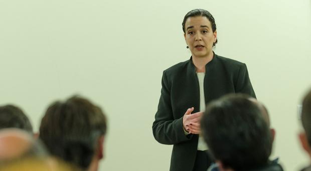 Falta estratégia ao governo regional para combater problemas no sector do leite, considera Sofia Ribeiro