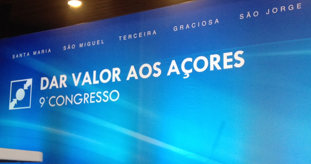Paulo Portas e José Manuel Rodrigues juntam-se aos populares açorianos no IX Congresso Regional