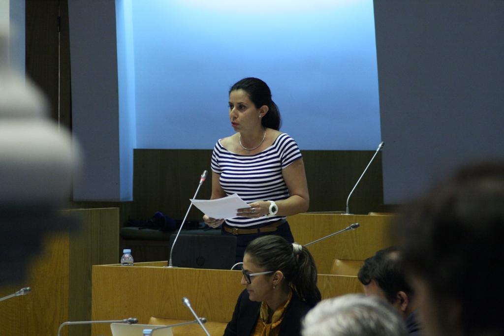 Ana Espínola defende construção de novas escolas na Povoação e na Calheta