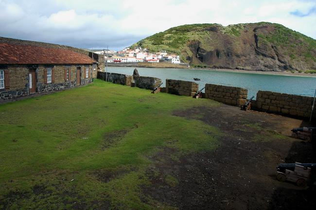 Governo dos Açores investe 100 mil euros na proteção da orla costeira do Faial