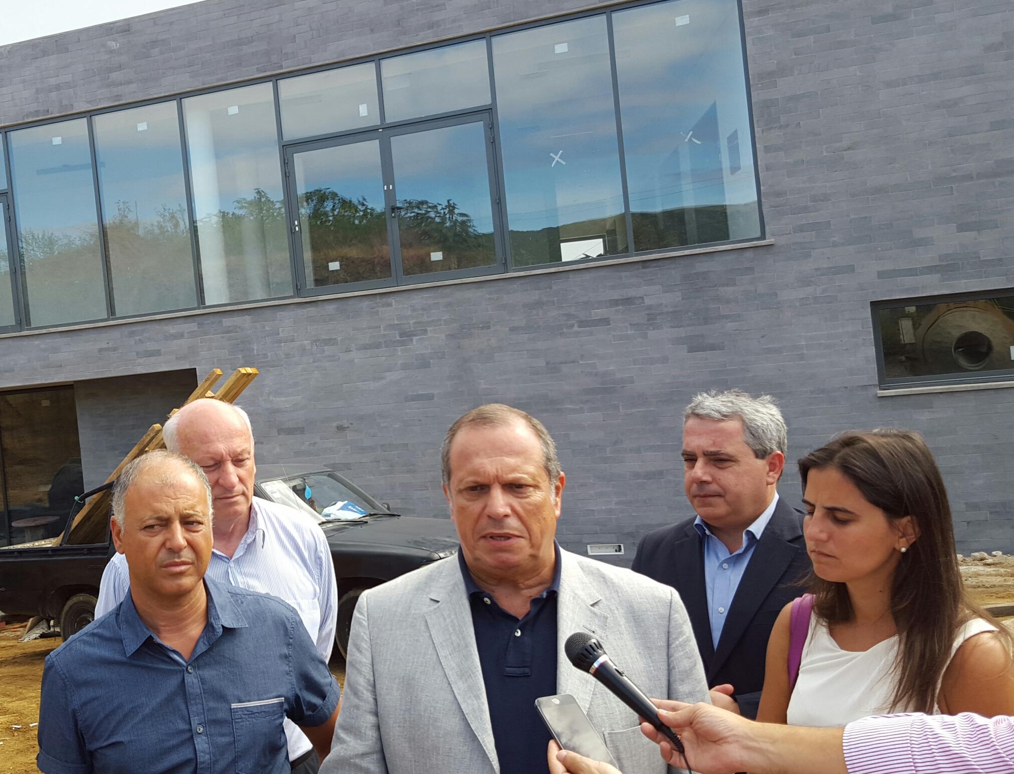 """Qualificação profissional é """"arma"""" para tornar Portugal mais competitivo, afirma Carlos César"""