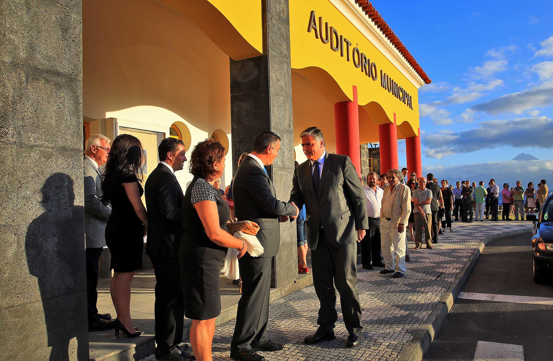 Casa cheia na reabertura do Auditório Municipal das Velas (c/áudio)