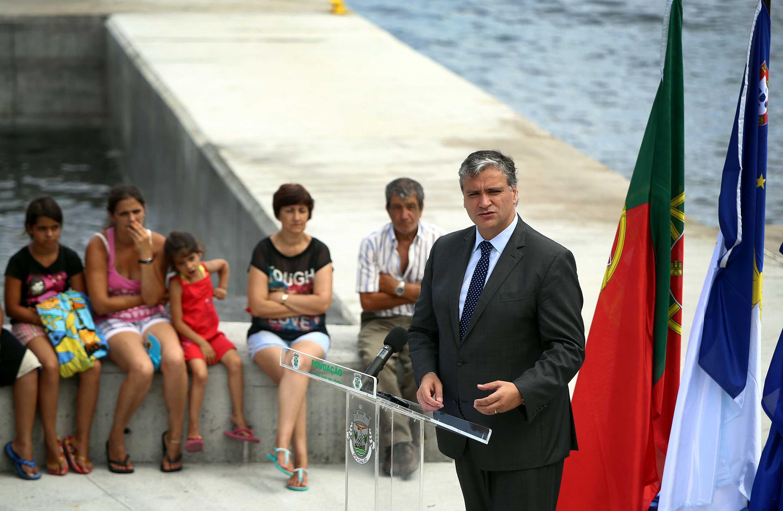 Vasco Cordeiro anuncia plafond de cerca de 16 milhões de euros para investimentos na rede viária regional