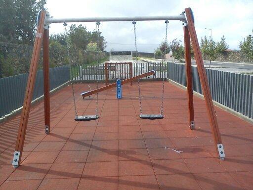 Inspeção Regional das Atividades Económicas fiscaliza parques infantis