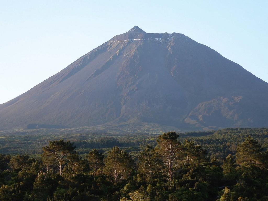 Acesso à Montanha do Pico encerrado devido a condições meteorológicas adversas