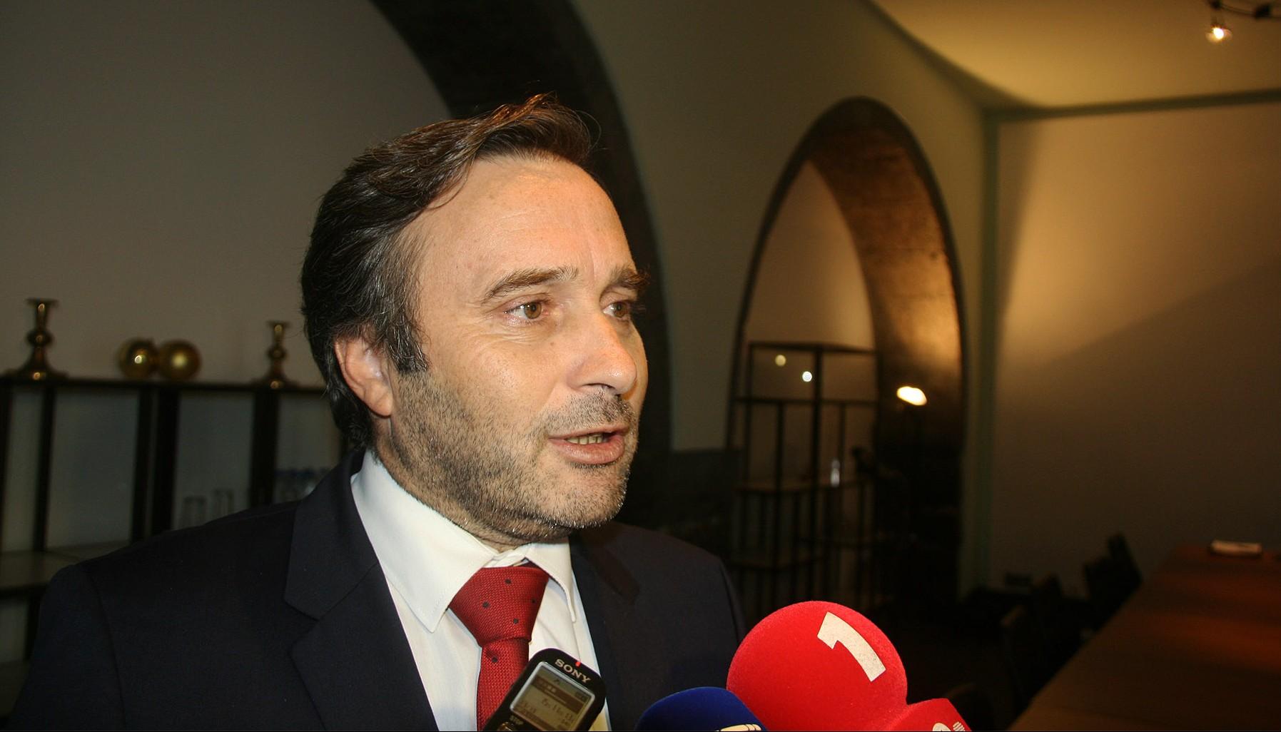 Governo deu indicações à SATA para reforçar ligações com a Horta, Flores e Corvo, revela Vítor Fraga