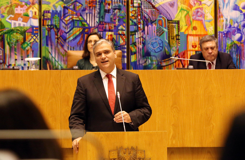 """Setor leiteiro com """"plano ambicioso"""" de apoio em 2016, afirma Presidente do Governo"""