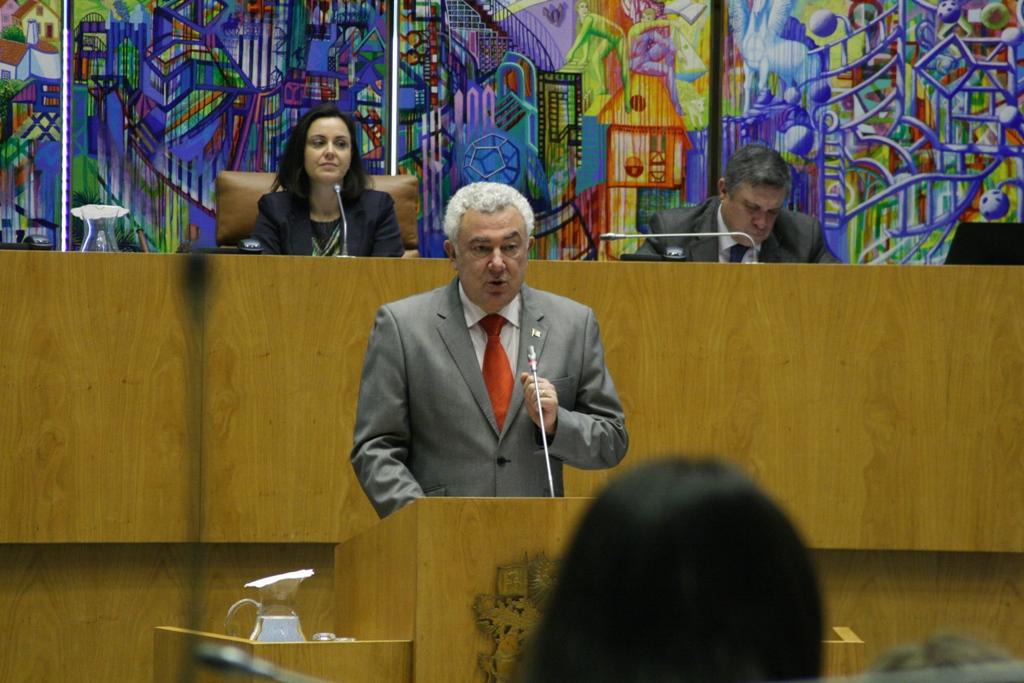 """CDS """"não está mais disponível"""" para passar cheques em branco à governação socialista, afirma Artur Lima"""