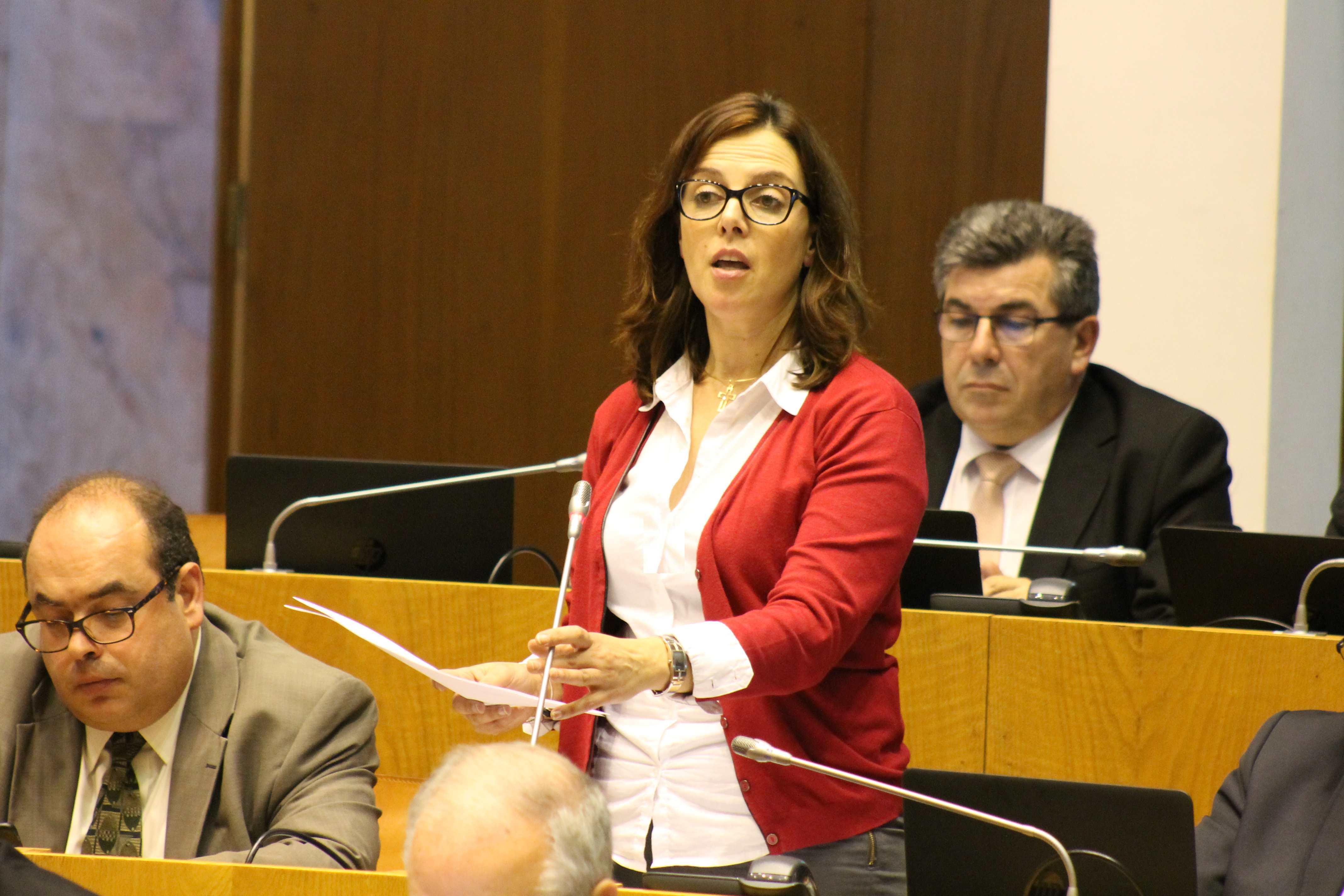 """""""Capacidade da rede de cuidados continuados tem sido reforçada e alargada nos Açores"""", garante Arlinda Nunes"""