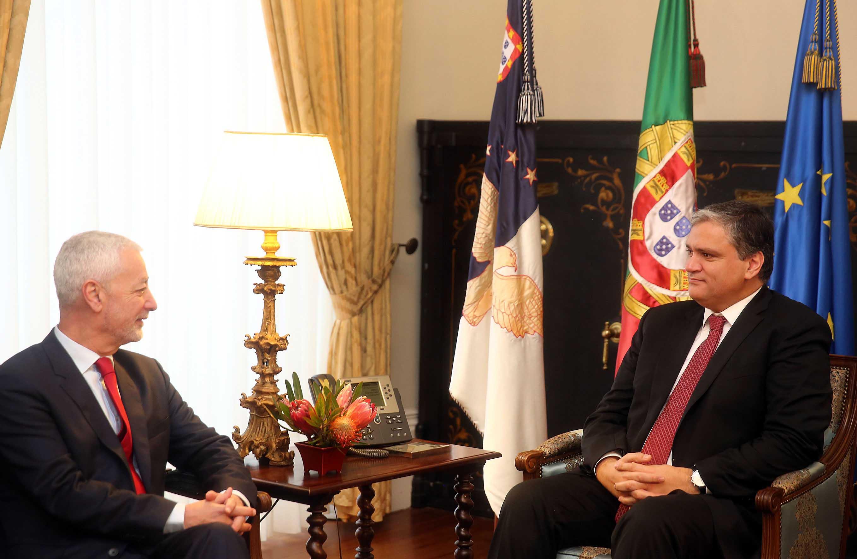 Presidente do Governo recebeu candidato António Sampaio da Nóvoa