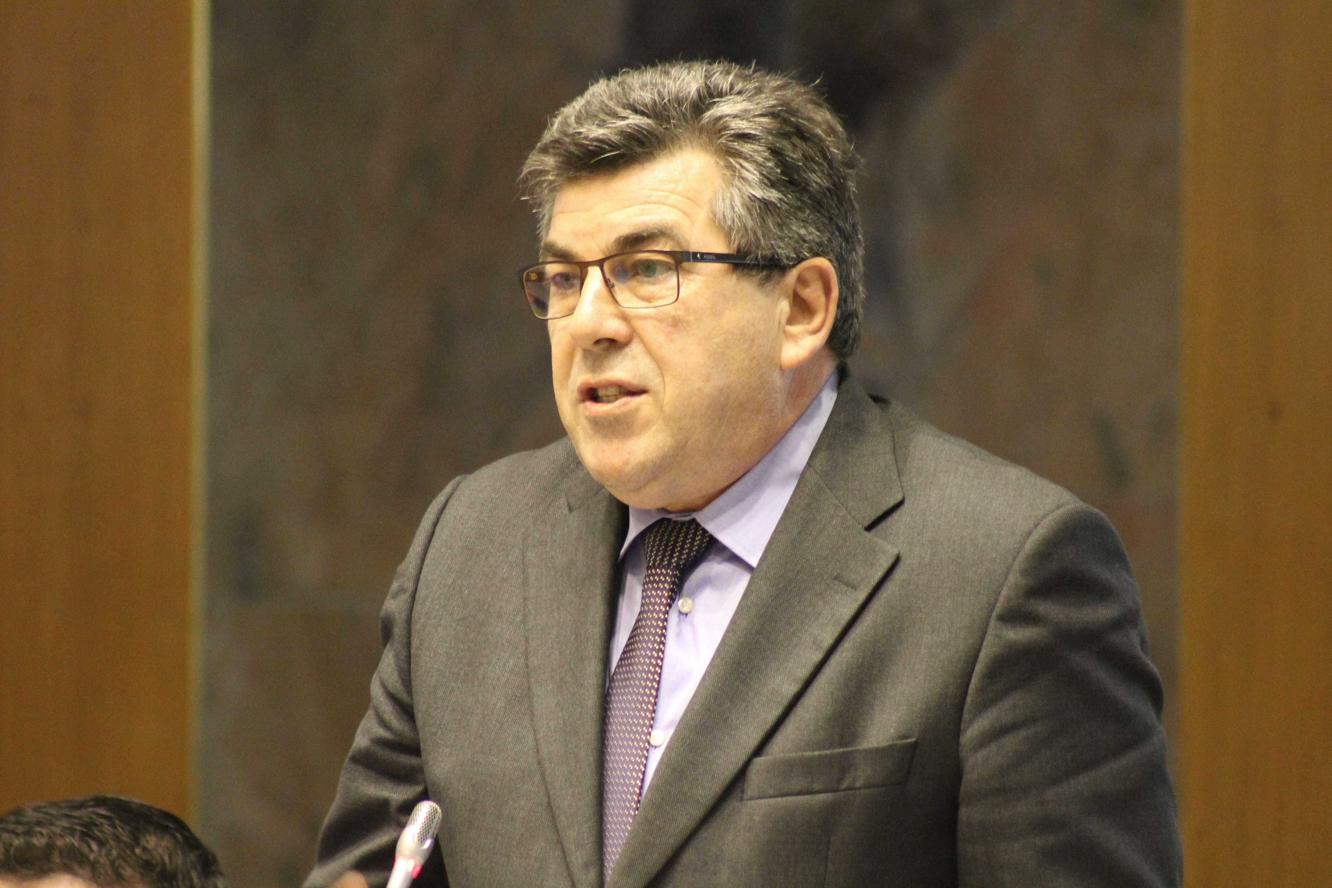 """""""O PS defende maior acessibilidade de todos os Açorianos aos concursos à Administração Pública Regional"""", explicou Manuel Pereira"""