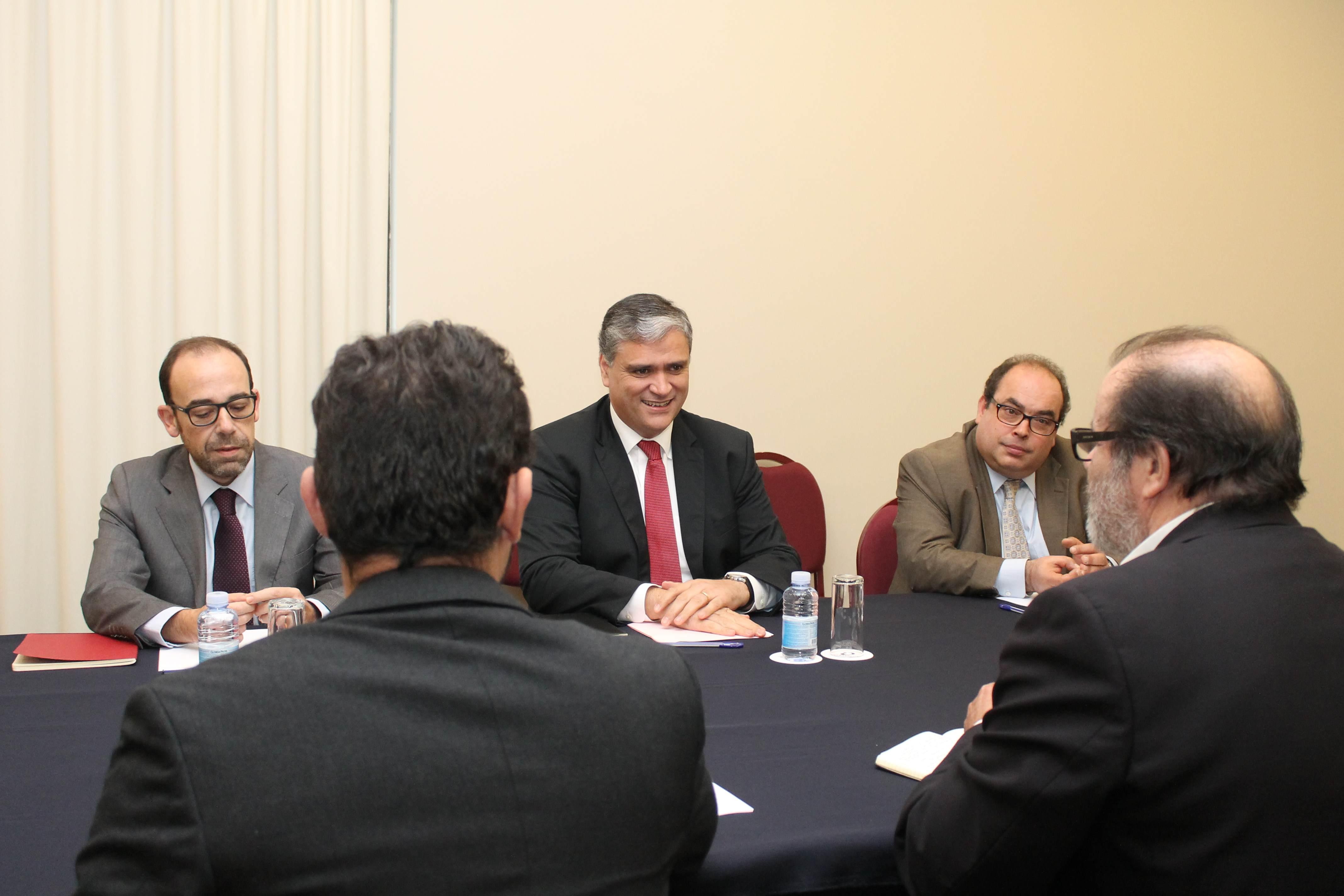 """""""O PS está empenhado em definir um consenso em torno da reforma da Autonomia"""", frisou Vasco Cordeiro"""