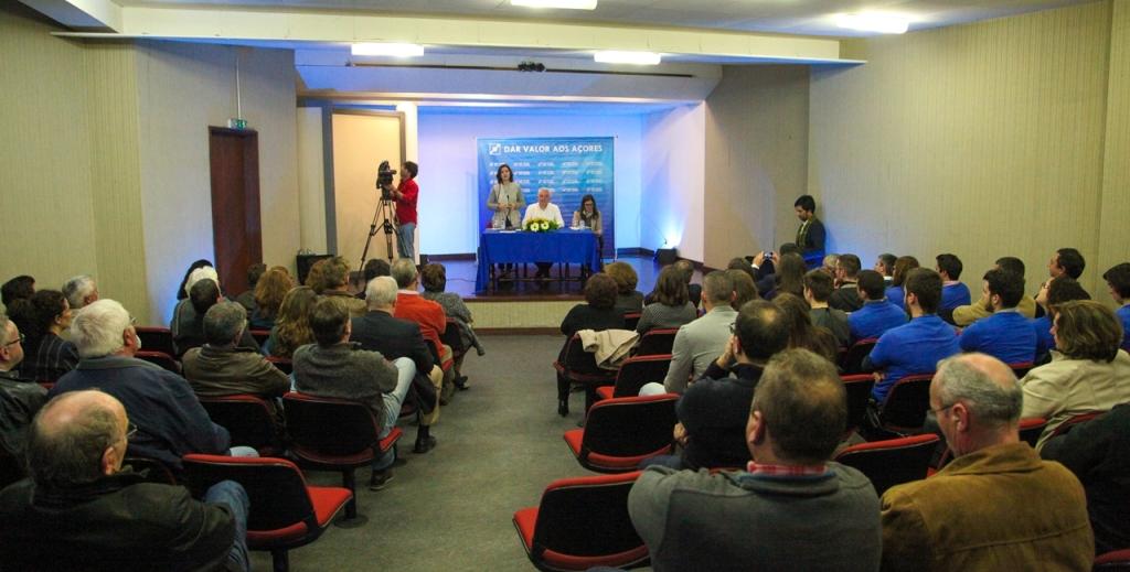 Assunção Cristas nos Açores: Desenvolvimento dos Açores não exige reforma da Autonomia