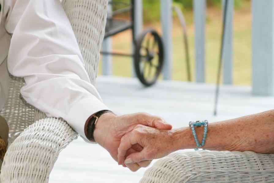Governo dos Açores atualiza modalidade de comparticipação dos utentes na prestação de serviços de apoio domiciliário