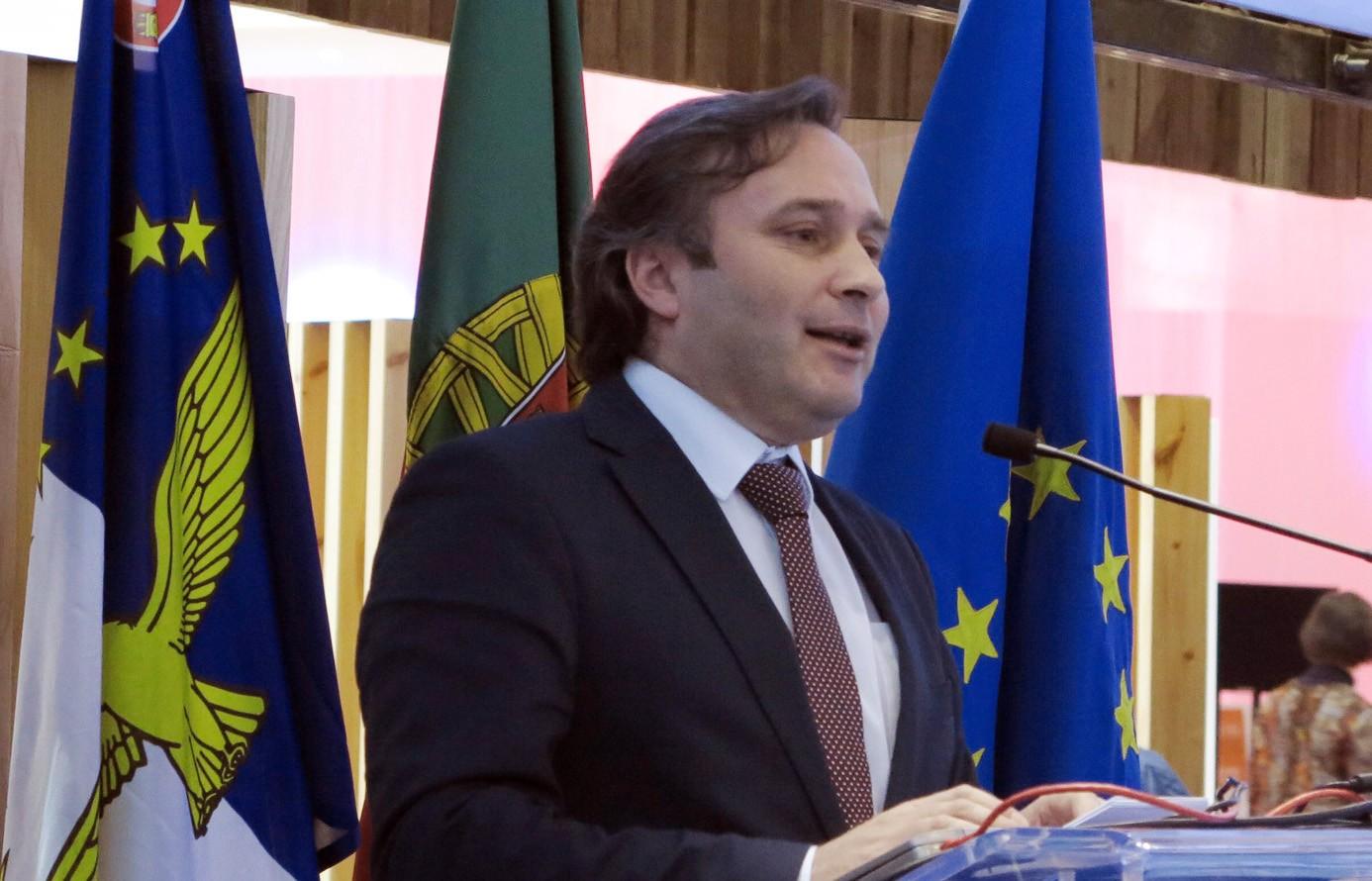Protocolo com AHRESP potencia valor turístico da gastronomia regional, afirma Vítor Fraga
