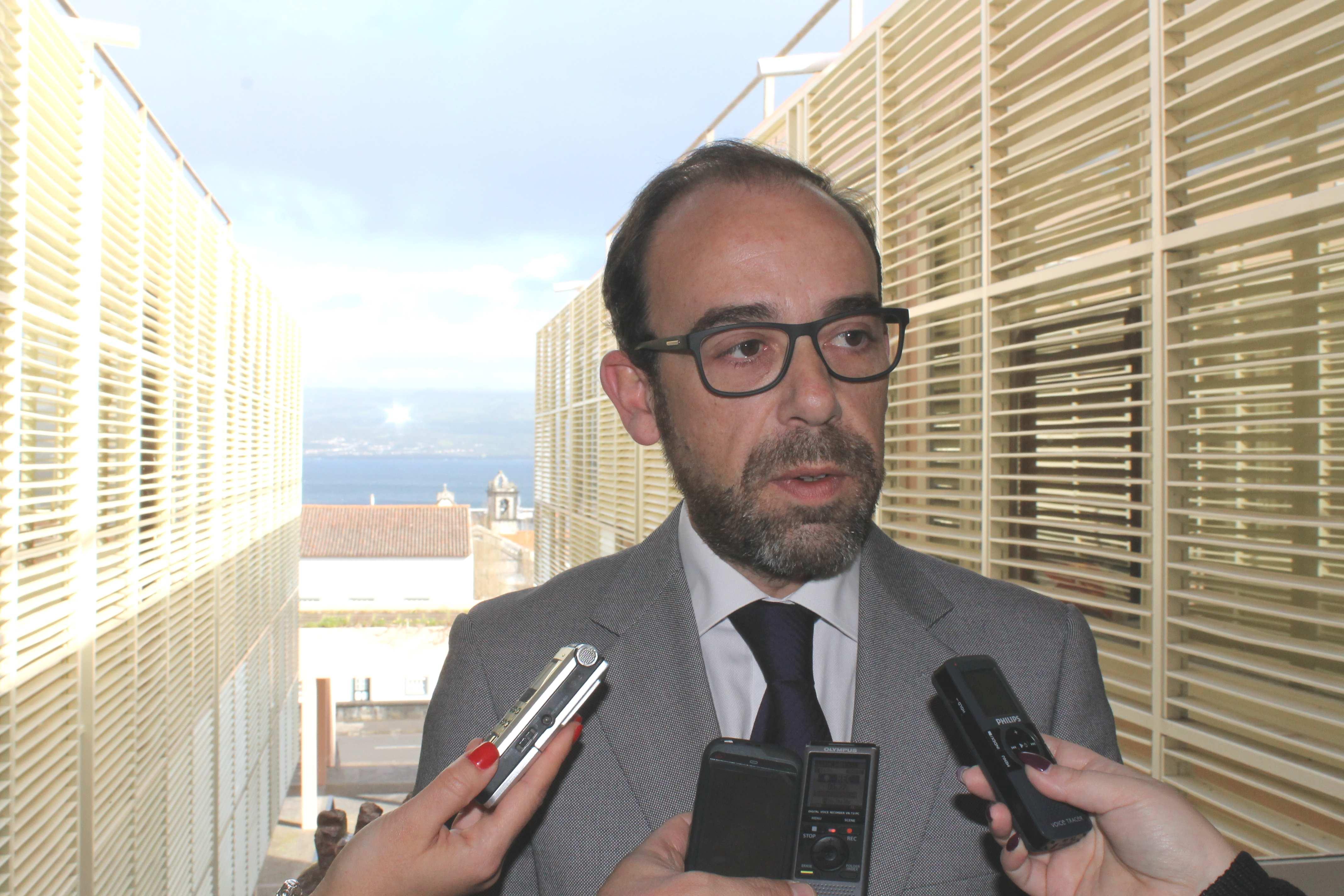 PS/Açores considera Duarte Freitas o grande ausente do debate do Orçamento do Estado de 2016