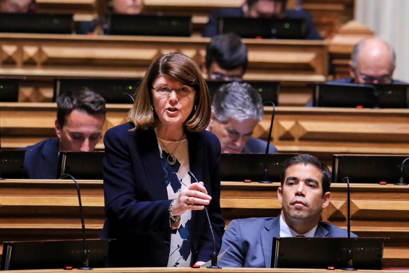 """Berta Cabral com """"participação ativa"""" em medidas propostas pelo PSD"""