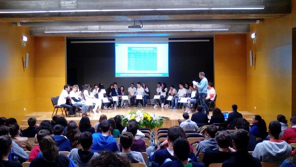 Dia da Europa foi celebrado nas Velas – Jovens mostraram espírito crítico e sentido de consciência sobre a União Europeia (c/áudio)