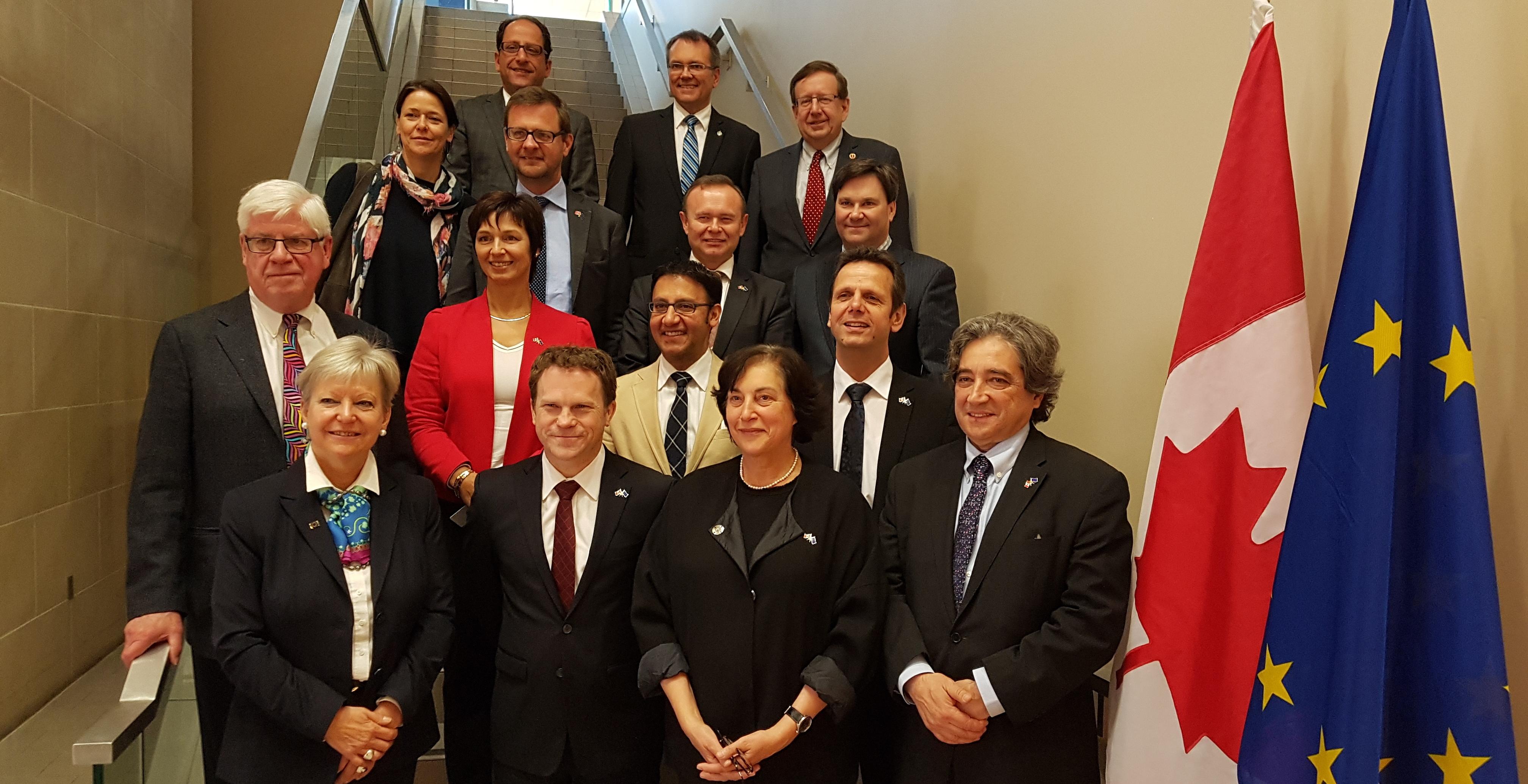Serrão Santos defende agenda de cooperação com o Canadá