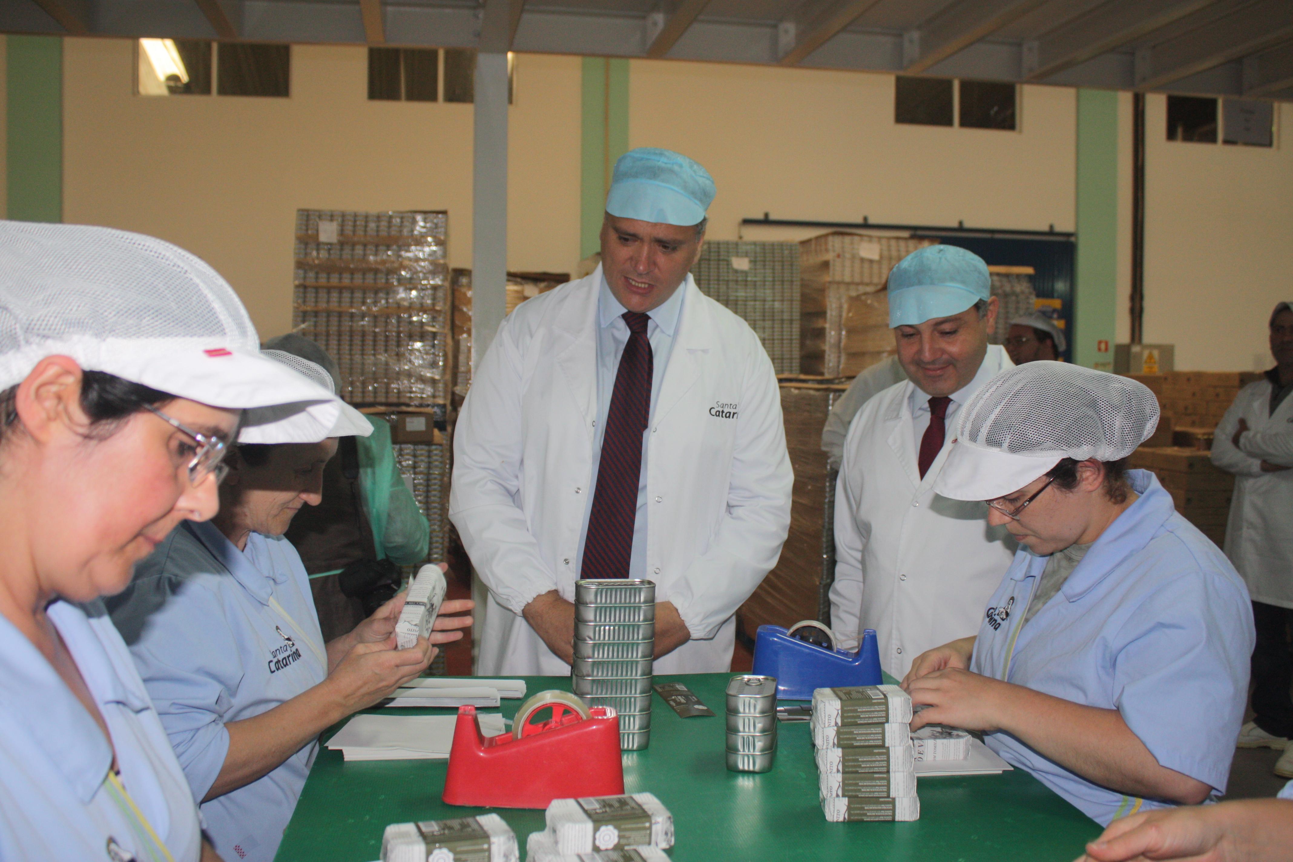 Vasco Cordeiro destaca percurso de recuperação e sustentabilidade da conserveira Santa Catarina