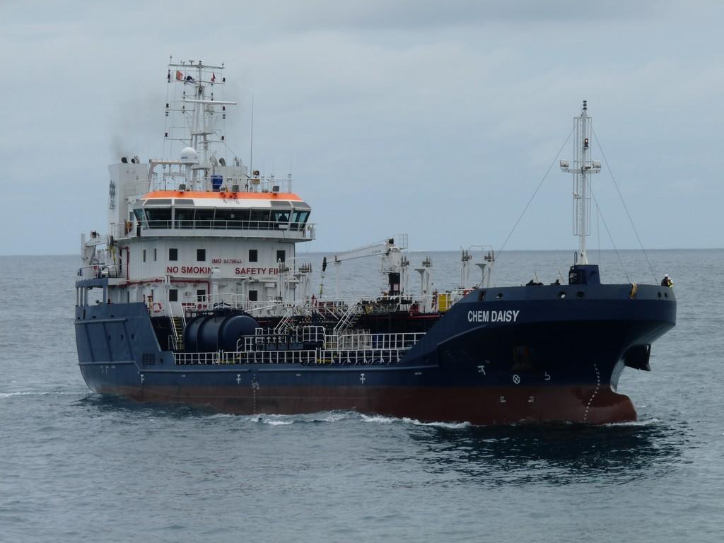 Navio de transporte de combustível retido na Horta pela Capitania do Porto