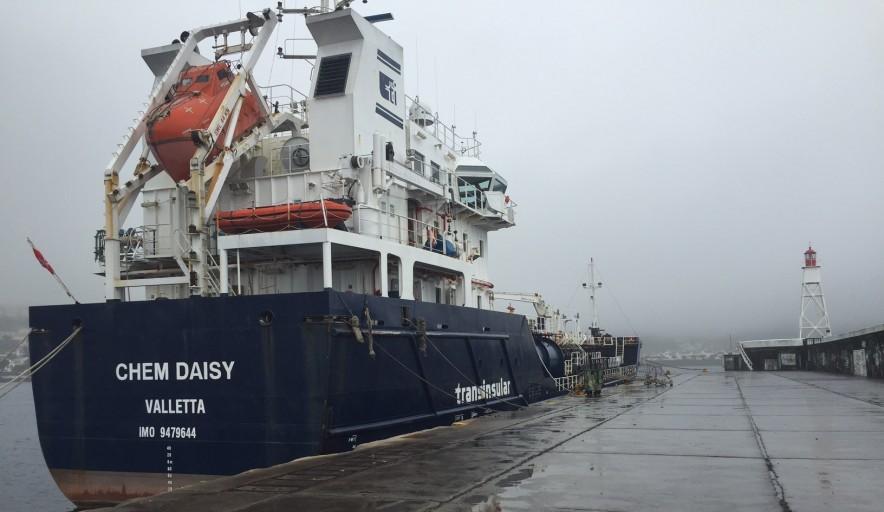 Sem dinheiro e sem mantimentos, oito tripulantes do Chem Daisy impedidos de sair do Faial