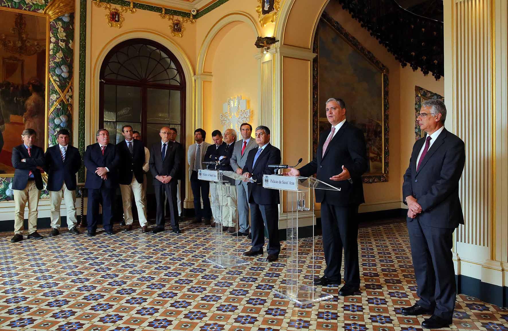 Presidente do Governo analisa situação do setor leiteiro com a Confederação dos Agricultores Portugueses