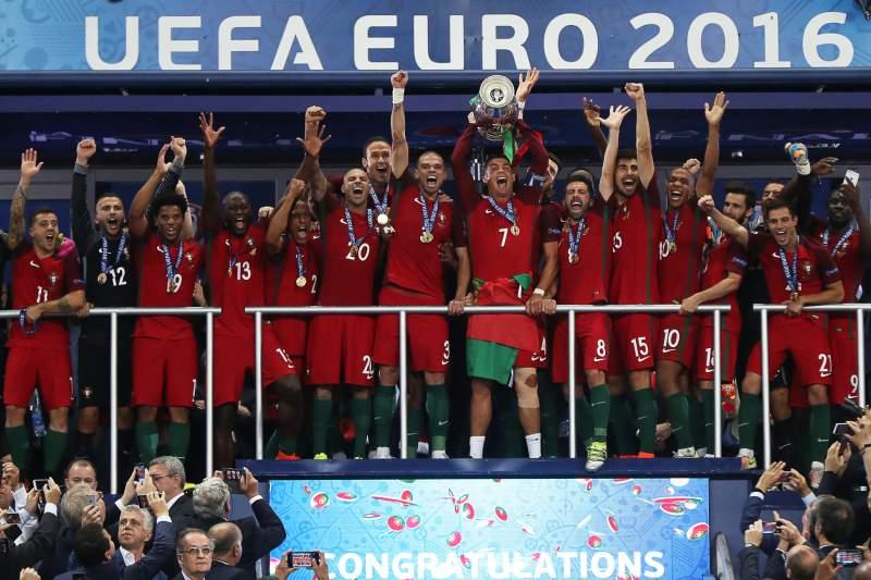 Presidente do Governo felicita Federação Portuguesa de Futebol e Eliseu pelo título europeu
