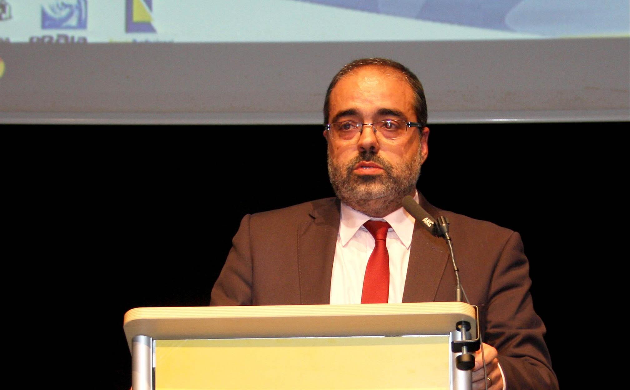 Governos da Região e da República revêm acordos de cooperação na área da saúde