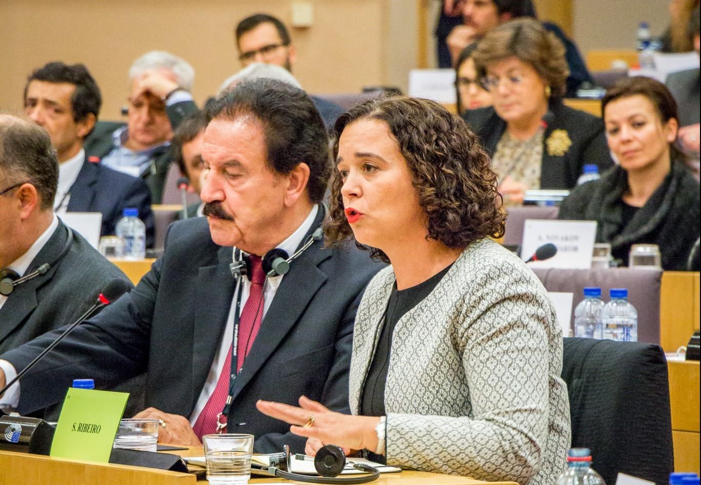 Sofia Ribeiro responsabiliza Ministro das Finanças pela solução do problema dos fundos