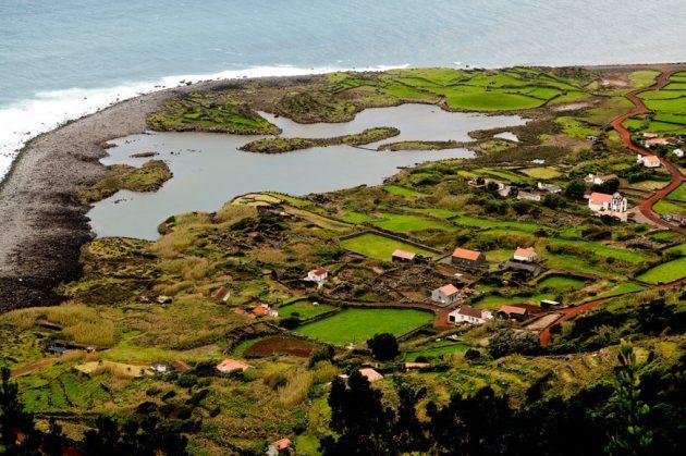 Está aberta até domingo a votação para apurar as 7 Maravilhas de Portugal – Aldeias – Fajã dos Cubres é um das finalistas na categoria Aldeias de Mar